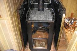 Металлическая печь является альтернативой кирпичной в том, что она быстро нагревается, безопасна и проста в изготовлении и монтаже.